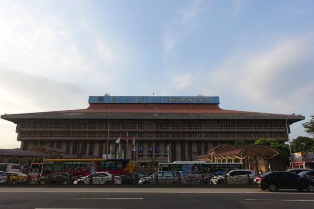 tapei-stationtaipei-station-2.JPG