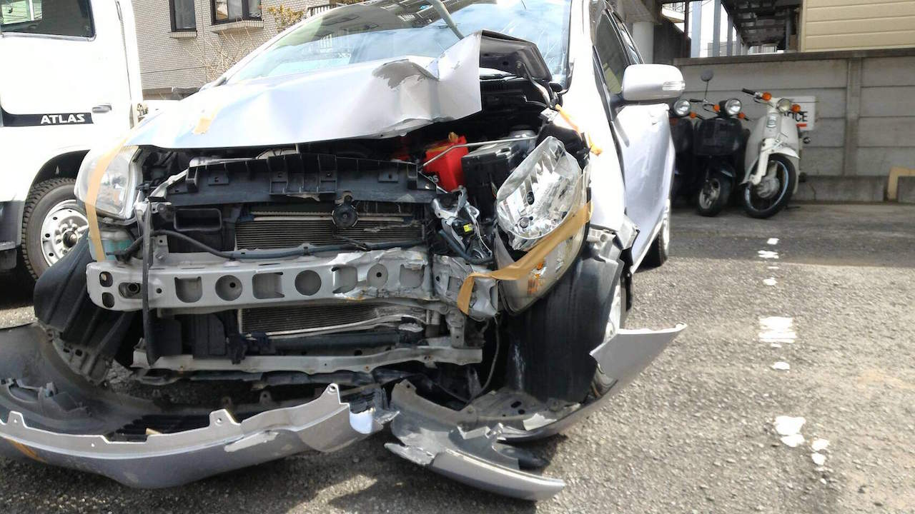 Maehara car accident 03
