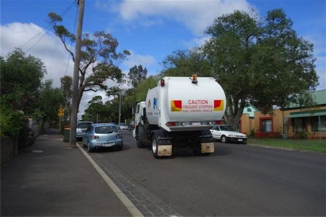 Australia garbage wagon 1