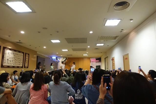 Mamadame sign kaosheng 012