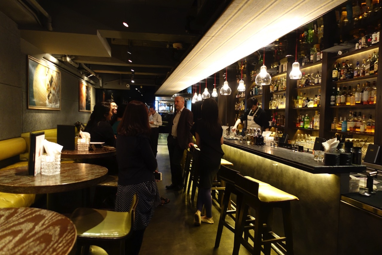 Hongkong quinary bar 002