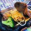 ステーキの下にスパゲッティー!台南が誇るB級地元グルメ、台湾式ステーキをあなたも食べてみないか?