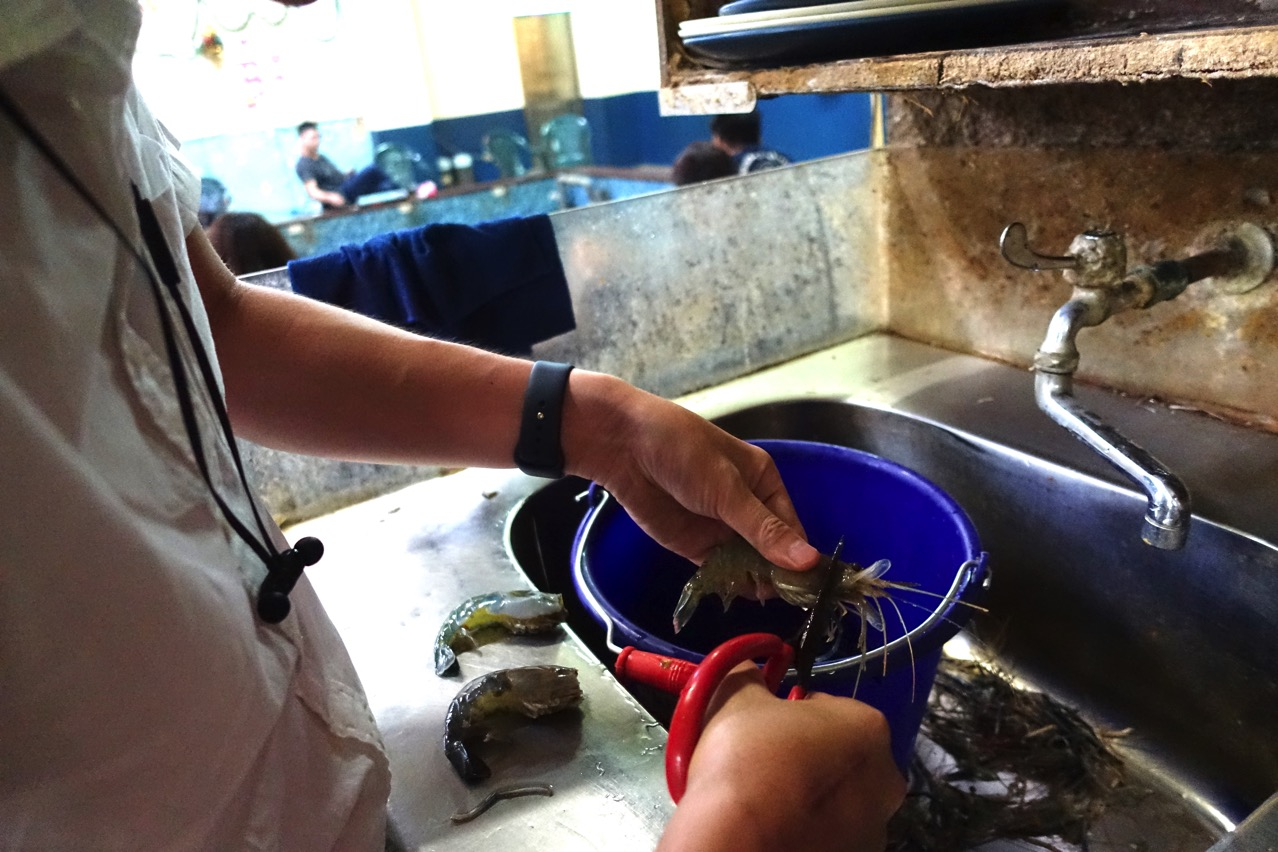 台南のエビ釣り場