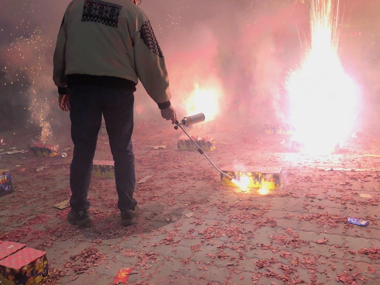 2020年の鹽水蜂炮(塩水ロケット花火祭り)の武廟