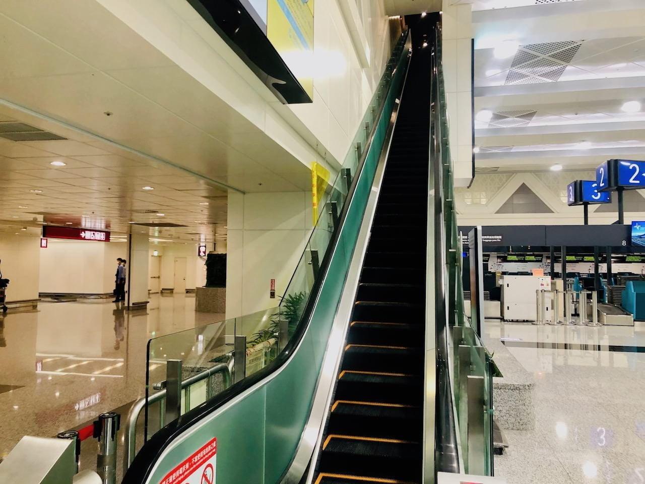 桃園空港第2ターミナル 5階 北側展望デッキ入り口