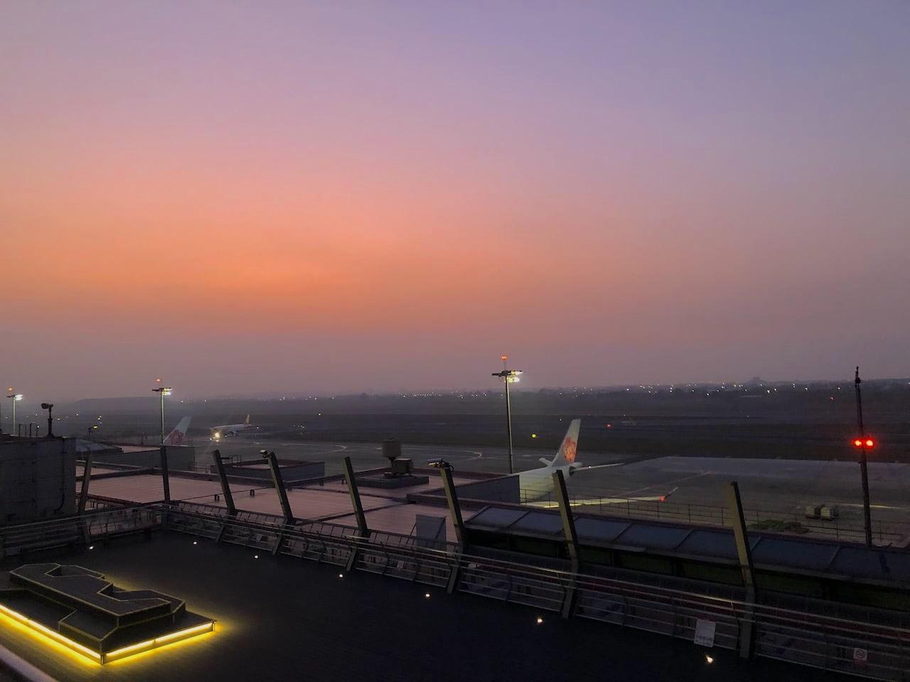 桃園空港第2ターミナル 5階 北側の屋外展望デッキ
