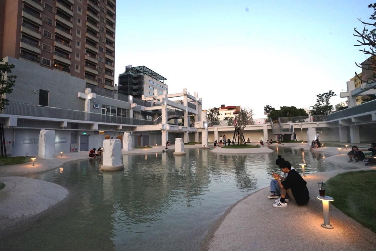 台南の河楽広場(河樂廣場)