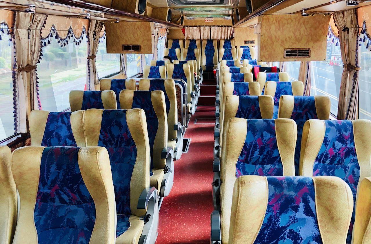 高雄空港の台南行きのバス