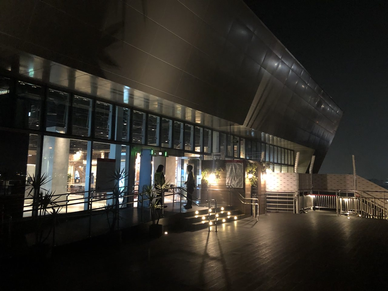 桃園空港第2ターミナル 5階 南側展望デッキ