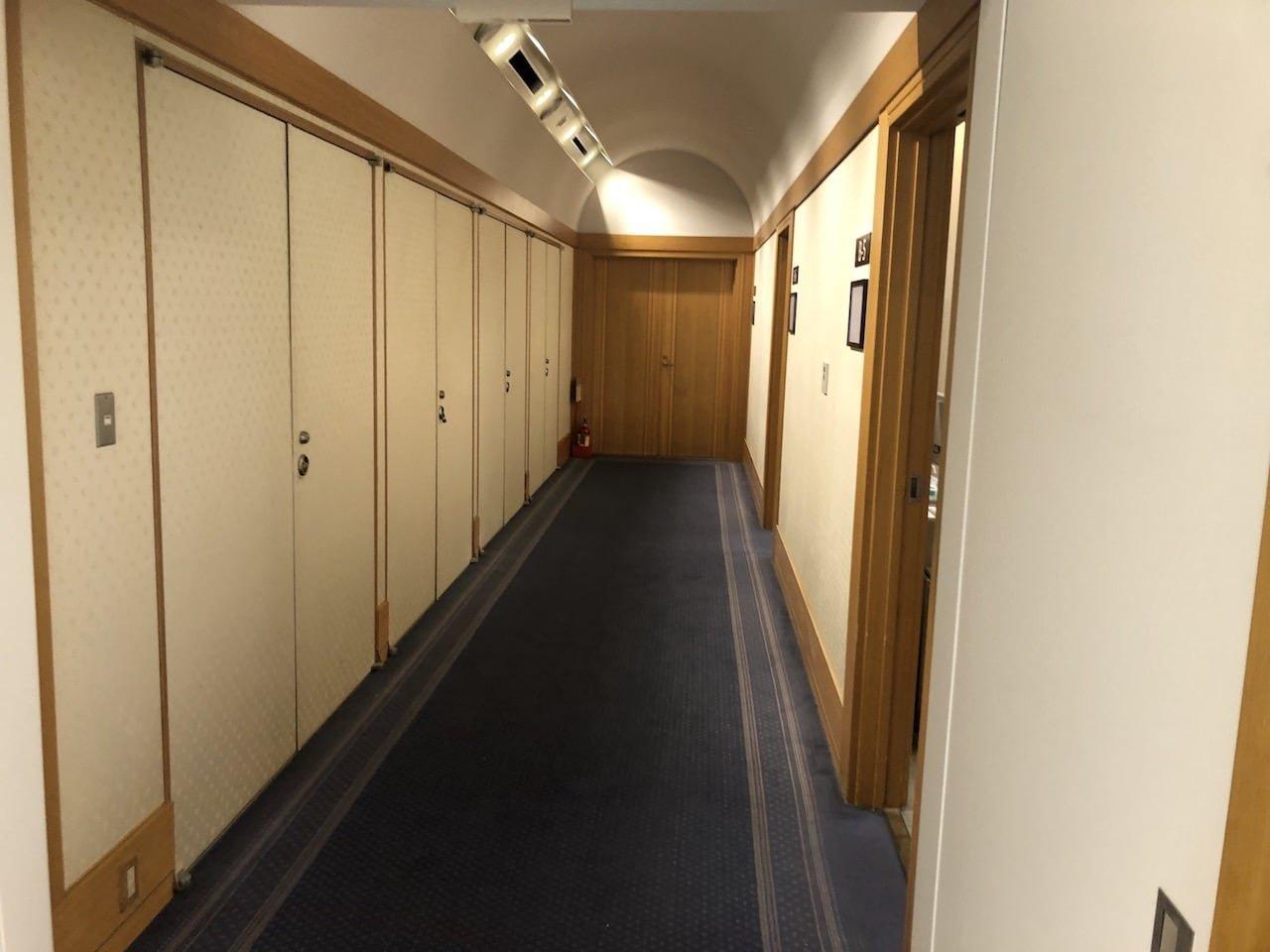 成田空港のPCR検査後の控え室